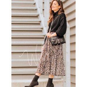 Leopard print maxi skirt pleated